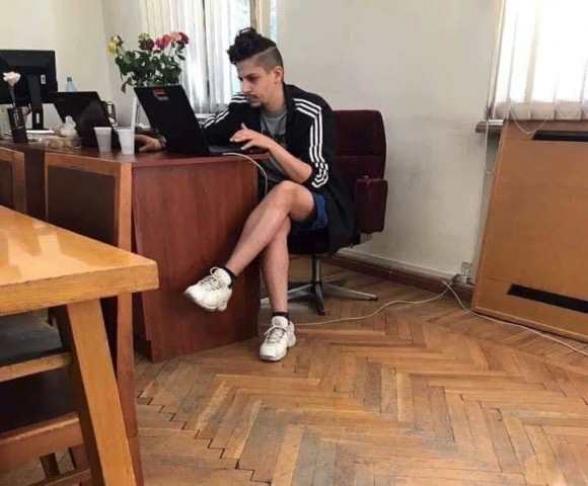 Օրվա կադր․ Նոր Հայաստանի ԱԺ աշխատակիցն աշխատավայրում