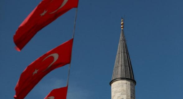 Թուրքիայի ընդդիմադիր կուսակցություններն արձագանքել են քաղաքապետների պաշտոնակնությանը