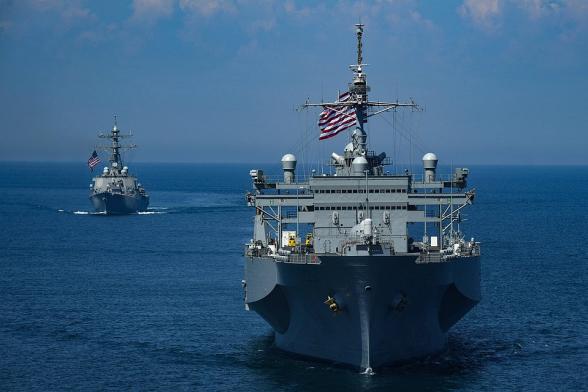 Китай не пустил военный корабль США в свой порт