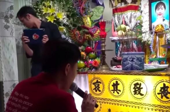 Во Вьетнаме жених устроил свадьбу на похоронах невесты (фото, видео)