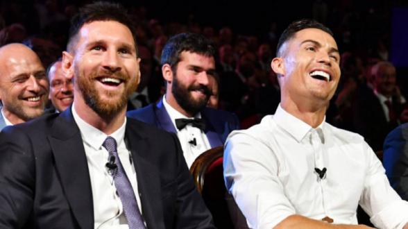 Роналду признался, что ему нравится идея завершить карьеру в один год с Месси