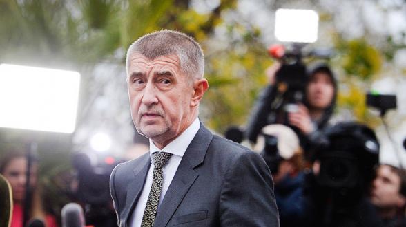 В Чехии остановили расследование по уголовному делу против премьера