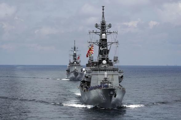 Япония может направить в Ормузский пролив военный корабль