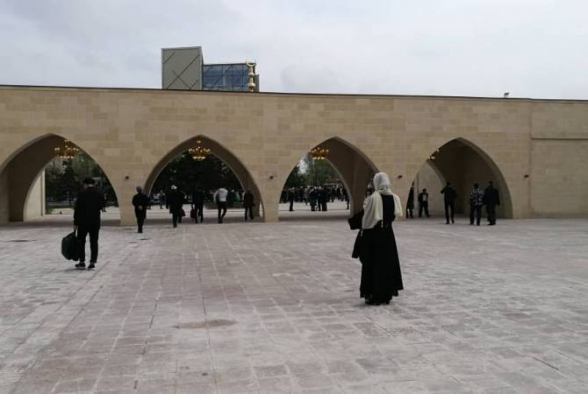 В Киргизии наложили арест на мечеть, построенную Атамбаевым