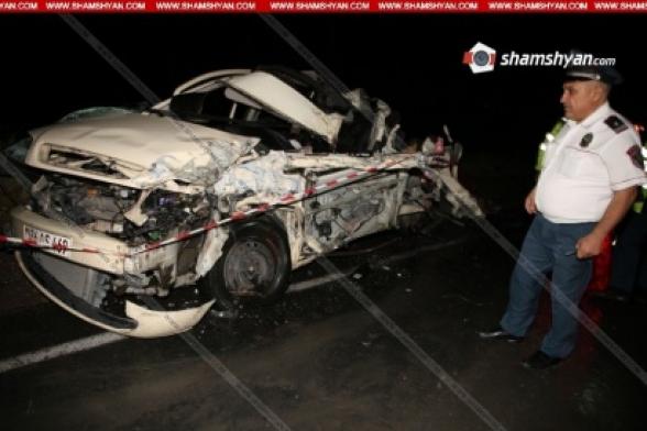 Արագածոտնի մարզում ЗИЛ-ի և Opel-ների մասնակցությամբ վթարի հետևանքով հիվանդանոց տեղափոխված 4 վիրավորներից մեկը հիվանդանոցում մահացավ (տեսանյութ)