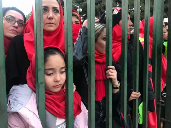 Իրանցի երկրպագուհին ինքնահրկիզումից հետո մահացել է. նրան դատում էին մարզադաշտ մտնելու փորձի համար
