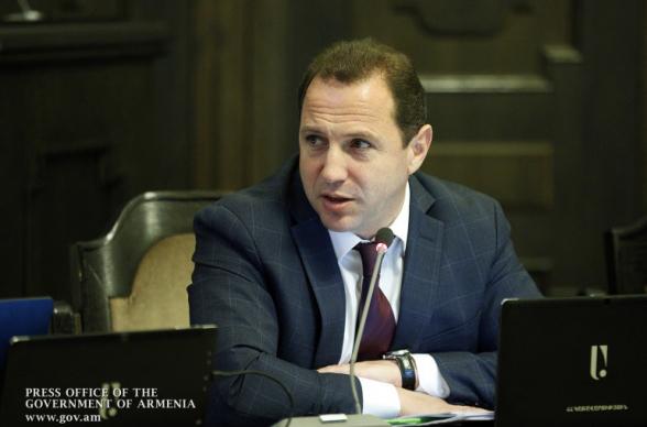 Глава Минобороны Армении опроверг слухи о своей отставке (видео)