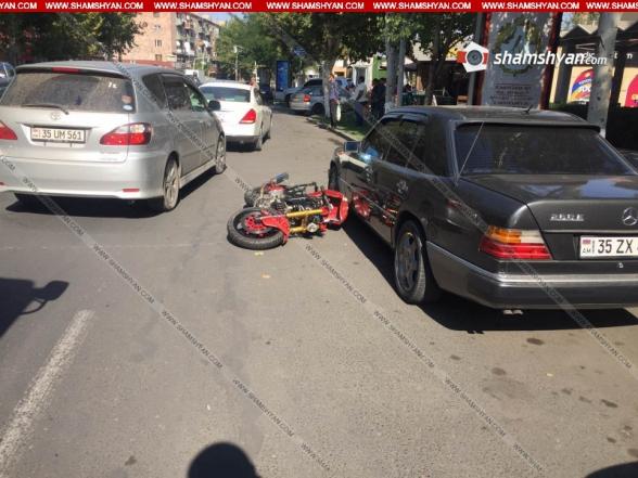 Էջմիածնում բախվել են 58–ամյա վարորդի Mercedes-ն ու 33-ամյա վարորդի մոտոցիկլը. կա վիրավոր