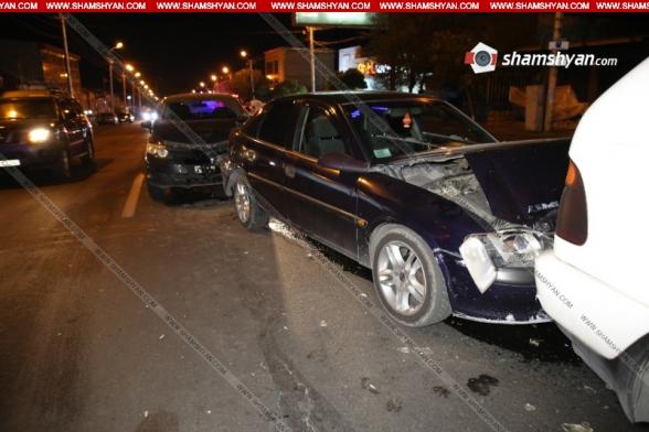 Շղթայական ավտովթար Երևանում. «Տորնադո» ակումբի դիմաց բախվել են BMW X5-ը, Honda-ն ու Opel-ը. կա վիրավոր