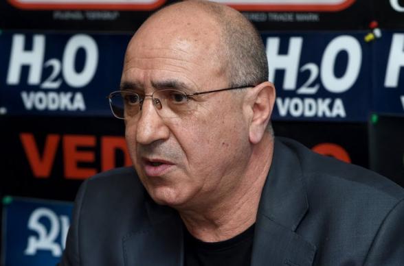 Կա Նիկոլի Հայաստան, որտեղ եթե որևէ մեկը չի ուզում նրա կամքը կատարել, համարվում է դավադիր, հանցագործ, հայրենիքի դավաճան. Գառնիկ Իսագուլյան
