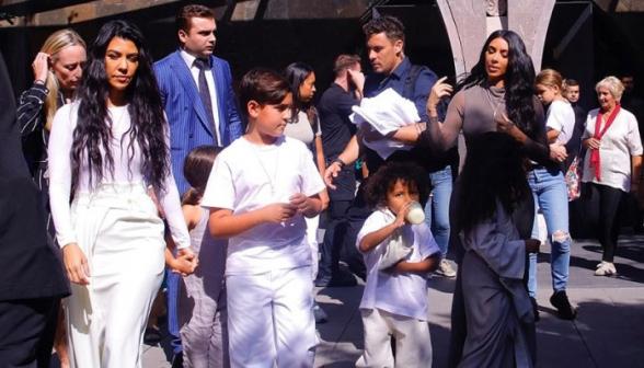 Ինչպես են Քիմ Քարդաշյանին դիմավորում երկրպագուները Երևանում