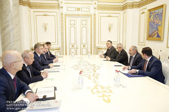 «Ռուսական երկաթուղիներ» ԲԲԸ գլխավոր տնօրենի և ՀՀ վարչապետի հանդիպումը ուլտիմատիվ շեշտադրումներով է եղել. «Հրապարակ»