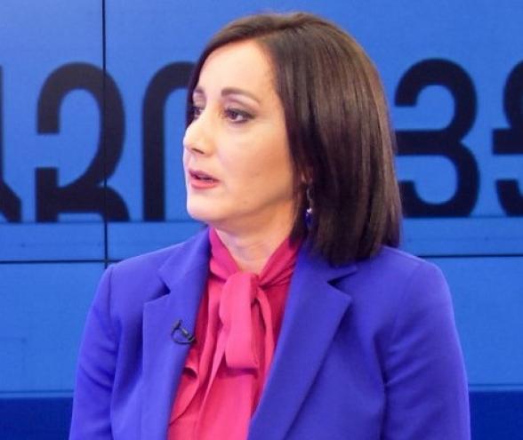 Անժելա Թովմասյան․