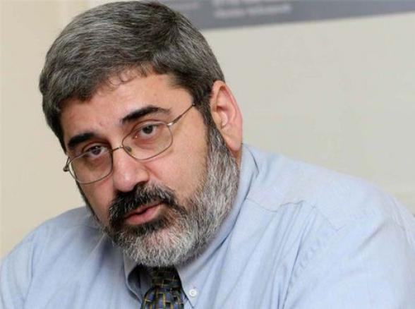 Եթե «Արցախը Հայաստան է և վերջ»-ի նպատակն է, որ Երևանը որոշի, թե Արցախում ով ինչ ազդեցություն ունենա, դա խնդիր է. Մանոյան