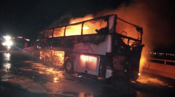 В Саудовской Аравии разбился автобус с паломниками, выжили всего четверо
