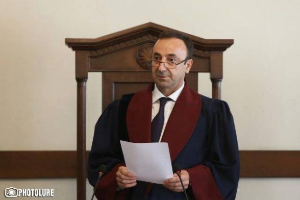 ՍԴ–ով անցնող խրամատը. ինչո՞ւ է հետապնդվում Հրայր Թովմասյանը