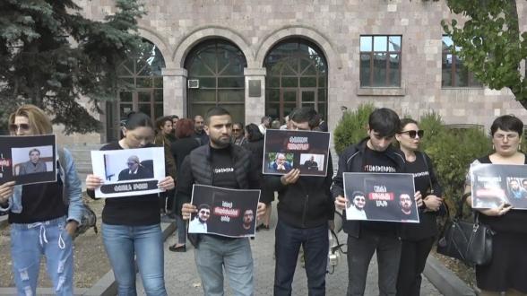Рассмотрение апелляционной жалобы арестованных сторонников Роберта Кочаряна перенесено (видео)