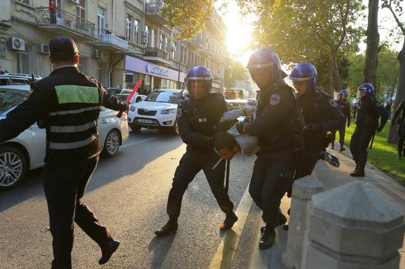 Евросоюз призвал Баку расследовать задержания участников мирного митинга
