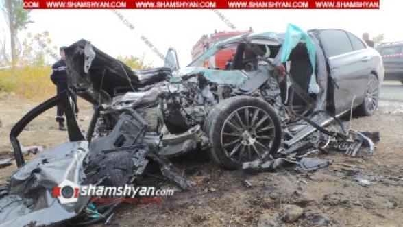 Արմավիրի մարզում բախվել են Mercedes-ը, КамАЗ-ը, Opel-ը. 2 վիրավորներին առաջինը օգնության են հասել քաղաքացիները