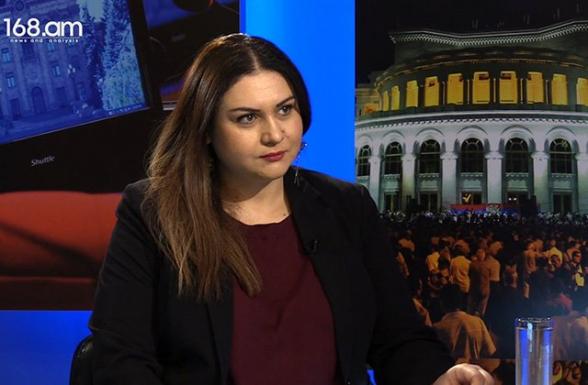 «Եթե մի լրագրողի հետ զրույցում է դա այդքան դժվար անել, բա ի՞նչ է կատարվում բանակցային սեղանի շուրջ»․ Անժելա Էլիբեգովա (տեսանյութ)