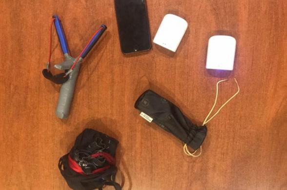 «Հրազդան» ՔԿՀ–ում կալանավորված անձանց խցերից արգելված իրեր են հայտնաբերվել