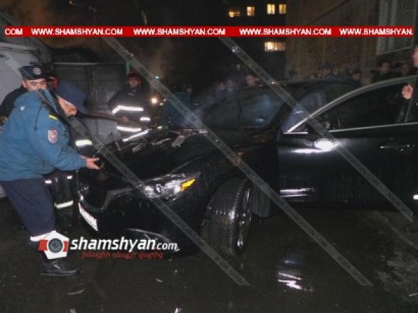 Երևանում մի քանի ավտոտնակներում հրդեհ է բռնկվել, վնասվել են ավտոմեքենաներ, օպերատիվ են գործել հրշեջ-փրկարարներն ու քաղաքացիները