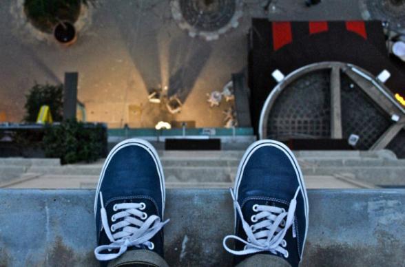 Քաղաքացին սպառնում է ինքնասպանություն գործել՝ ցած նետվելով Երևանի Բաղրամյան պողոտայի շենքերից մեկի 5-րդ հարկից