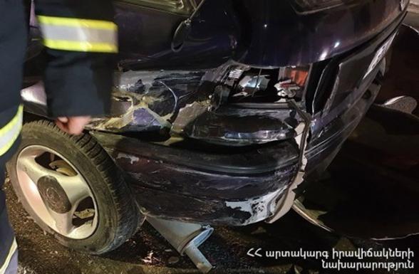 Իսակովի պողոտայում՝ ԱՄՆ դեսպանատան մոտ բախվել են ավտոմեքենաներ. երեխա է վիրավորվել