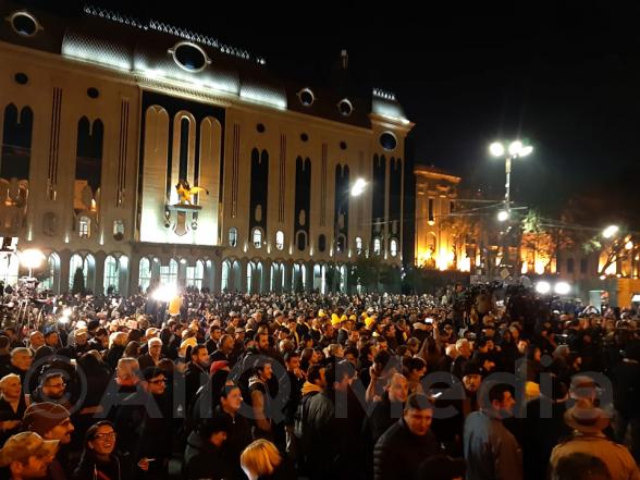 Բազմամարդ բողոքի ակցիա է Թբիլիսիում (տեսանյութ)