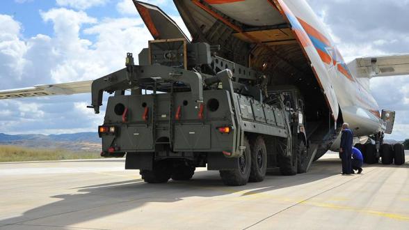 Турция заявила о намерении использовать С-400 вопреки угрозам США