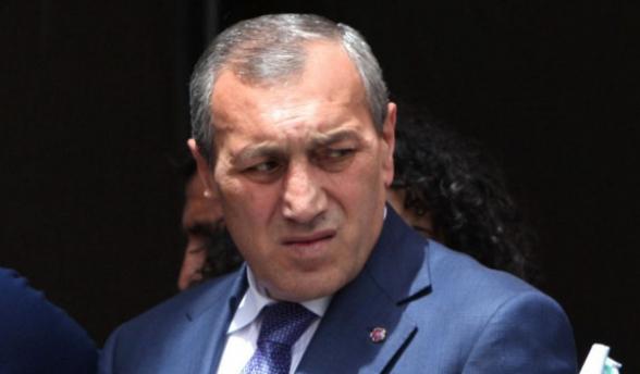 Экс-губернатору Сюника Сурику Хачатряну предъявлено обвинение: он объявлен в розыск