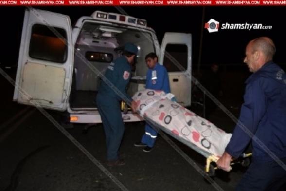 Գեղարքունիքի մարզում վրաերթի ենթարկվածներից 66-ամյա կինը տեղում մահացել է. նրա եղբոր տղան տեղափոխվել է հիվանդանոց, վարորդը դիմել է փախուստի