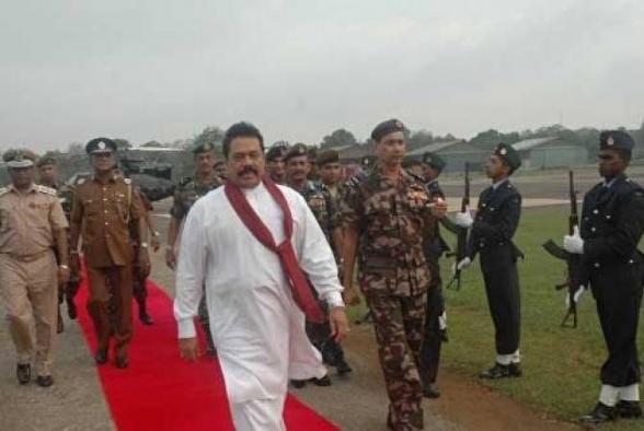 Брат президента Шри-Ланки возглавил 4 министерства в новом правительстве