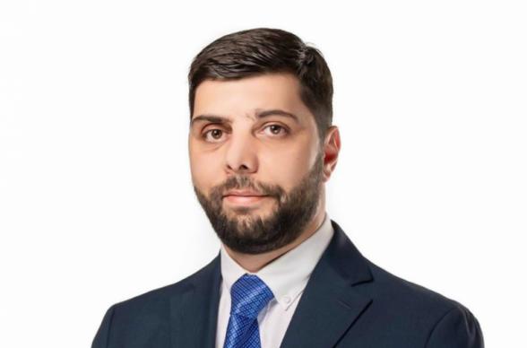 Член Совета старейшин Еревана от фракции «Мой шаг» Айк Ованнисян подал заявление об отказе от мандата