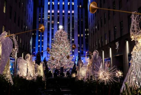 Նյու Յորքի կենտրոնում վառել են Սուրբծննդյան գլխավոր եղևնու լույսերը