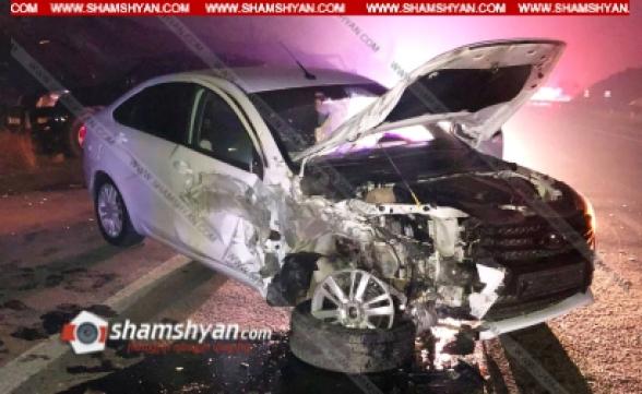 Կոտայքի մարզում բախվել են Toyota Land Cruiser Prado-ն և Lada Vesta-ն. կա 4 վիրավոր