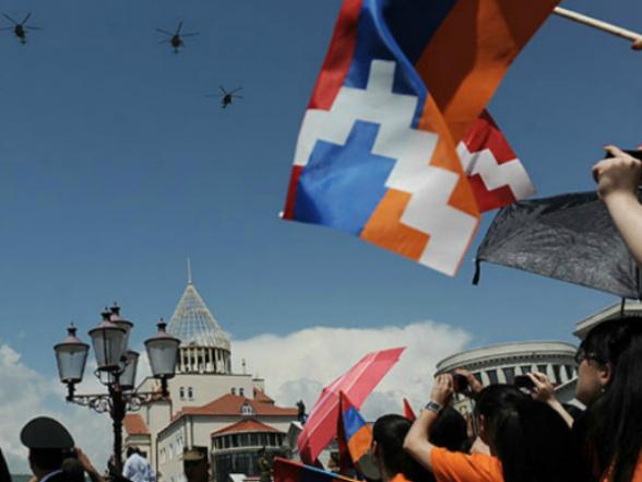 В Арцахе отмечают День референдума о независимости и День Конституции