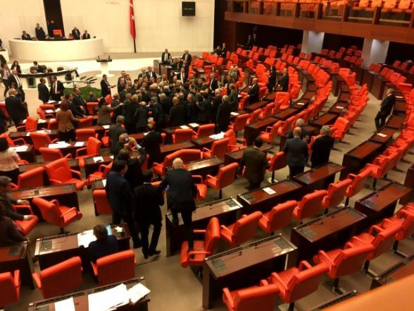 Վիճաբանություն է տեղի ունեցել Թուրքիայի խորհրդարանում