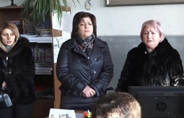 Բարձրաշենի բնակիչները բողոքի ակցիա են անում. պահանջում են համայնքի դպրոցը նորոգել (տեսանյութ)