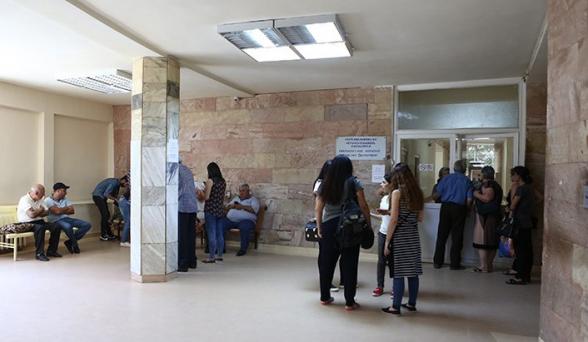 В больницах отказываются обслуживать бенефициариев соцпакета – «Жоховурд»