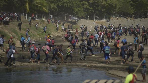 Нацгвардия Мексики остановила у южной границы страны караван мигрантов