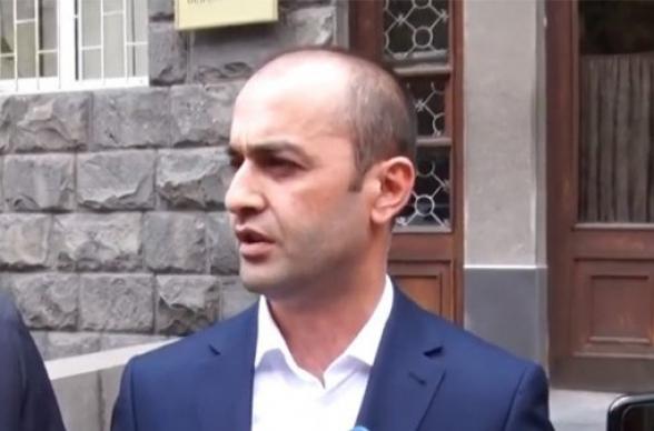 Обыск в квартире Грайра Товмасяна завершен, ничего не обнаружено – адвокат (видео)