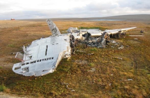 В Афганистане разбился пассажирский самолет, на борту было около 100 человек