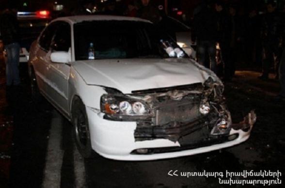 Մոսկովյան և Աբովյան փողոցների խաչմերուկի մոտակայքում բախվել են թիվ 10 երթուղին սպասարկող «ԳԱԶել»-ը, «Opel Astra G»-ն և «Kia Sportage»-ը
