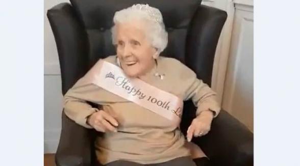 Երկարակյաց կինը նշել է իր 100-ամյակը և բացահայտել երջանիկ կյանքի գաղտնիքը