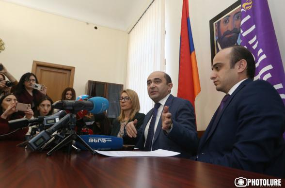 «Светлая Армения» не будет ни в одном из лагерей в ходе кампании по референдуму о конституционных изменениях – Эмон Мамрукян (видео)
