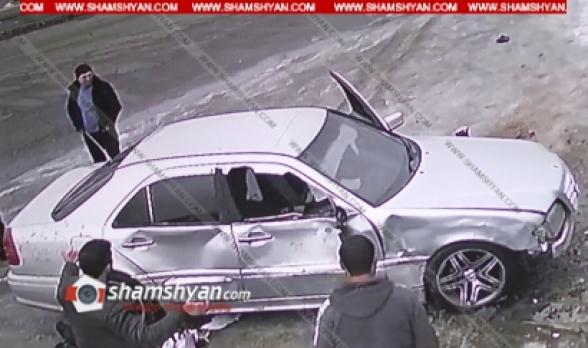 Ստեփանավանում 24-ամյա վարորդը Mercedes-ով վրաերթի է ենթարկել 2 հետիոտնի. վերջիններս տեղում մահացել են (տեսանյութ)