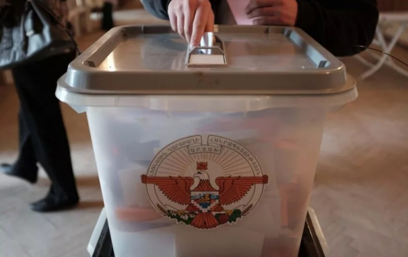 На участие в президентских выборах в Арцахе заявки представили 12 кандидатов