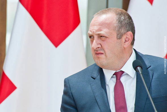 Экс-президент Грузии решил вернуться в политику