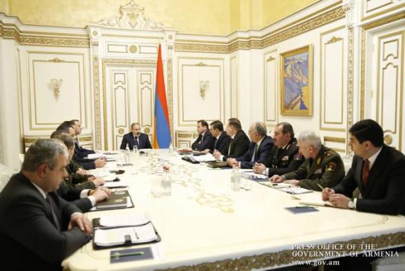 Никол Пашинян провел совещание в связи с гибелью военнослужащих